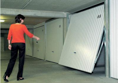 Ouverture d'une Porte basculante de boxes