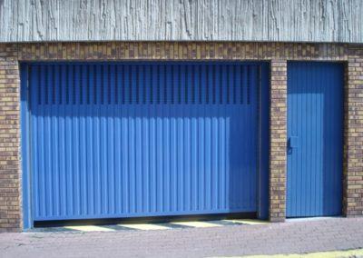 Bouygues portes bleu automatiques de garage