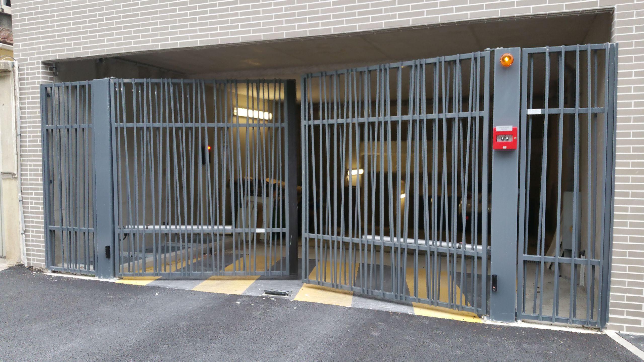 Portails battants porte de garage et portail automatique mysa photos - Portail battant 1 porte ...