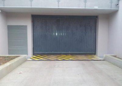 Nacarat portes de garage collectives 2012-02-17 08.14.17