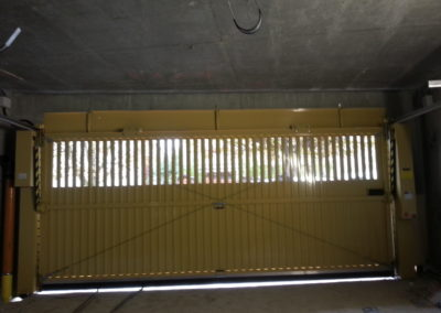 pose Porte jaune d'automatiques collectives 93 inter
