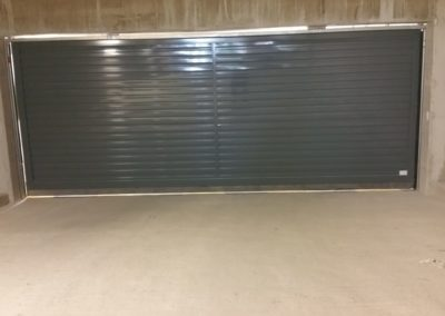 intérieur d'une portes automatiques collectives